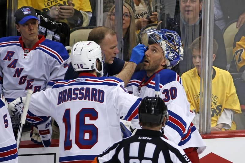 Nhl Playoffs Roundup Henrik Lundqvist Injury Signals Big Trouble