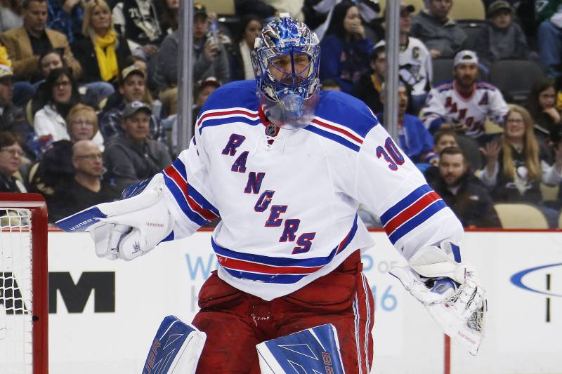 Henrik Lundqvist Ruled Out 2 3 Weeks With Lower Body Injury
