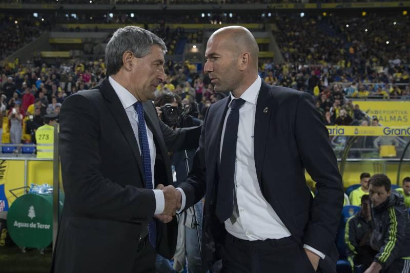 Quique Setién si to se svým madridským protějškem Zinédinem Zidanem rozdá o triumf v La Lize