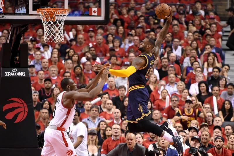 e6331ec1b776 Cavaliers vs. Raptors  Game 6 Score and Twitter Reaction from 2016 ...