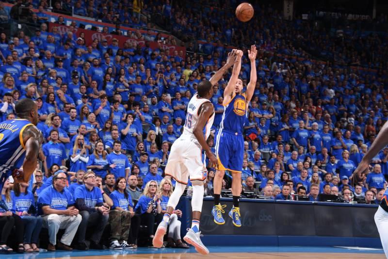 1e75ea6e7d3e Klay Thompson Breaks NBA Playoff Record with 11 3-Pointers vs ...