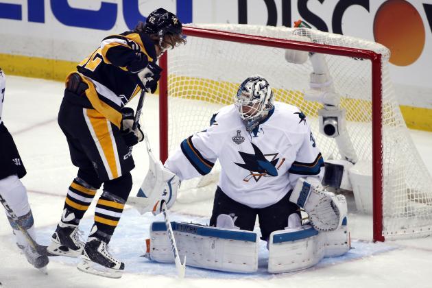 San Jose Sharks Melker Karlsson Right Celebrates His Goal Against Pittsburgh Penguins Goalie
