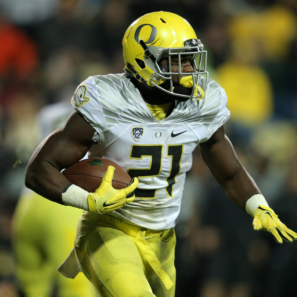 8c57ccd8a3e7 Top 10 Nike Uniforms in College Football