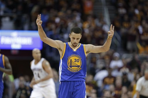 f673b07da262 Golden State Warriors guard Stephen Curry (30) celebrates a basket against  the Cleveland Cavaliers