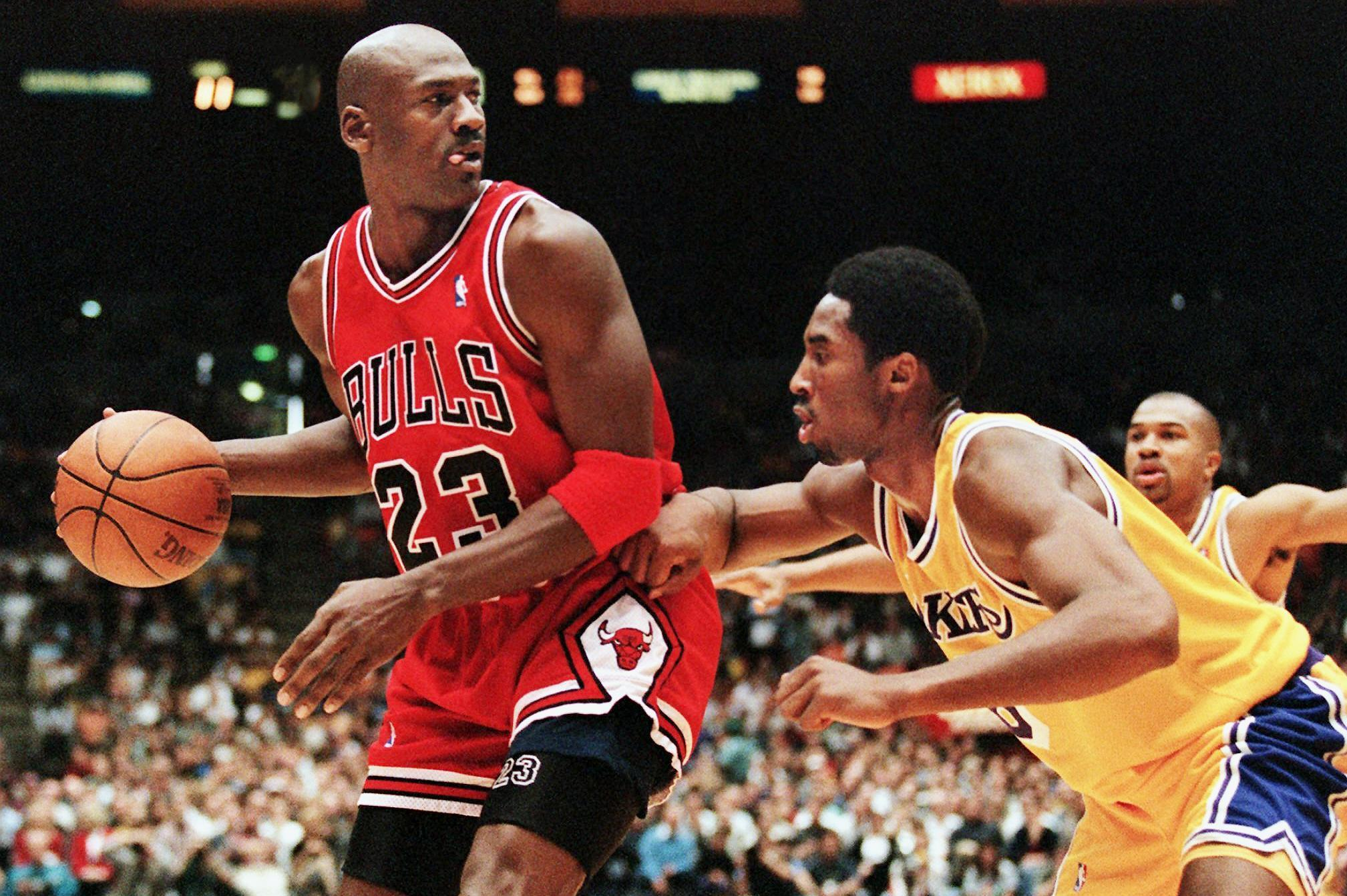 Kobe生涯前2年一共只首發7次,為何在1998年忽然就進入了全明星首發陣容?-Haters-黑特籃球NBA新聞影音圖片分享社區