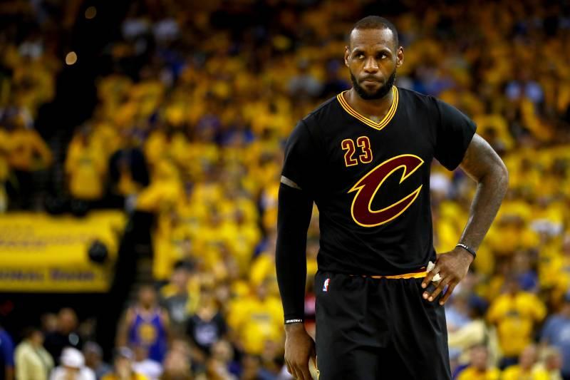 25ea2ce55de7 What s the Secret to LeBron James  Athletic Invincibility ...