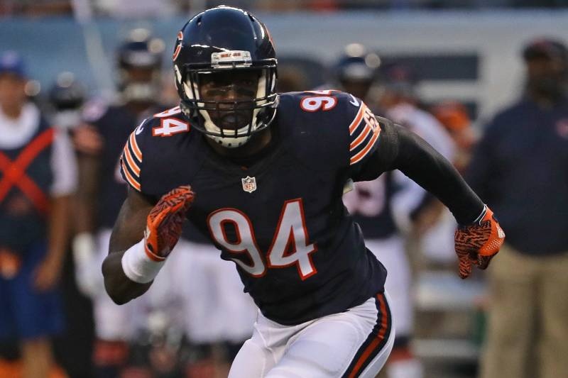 b2e0fd24959 CHICAGO, IL - AUGUST 11: Leonard Floyd #94 of the Chicago Bears rushes