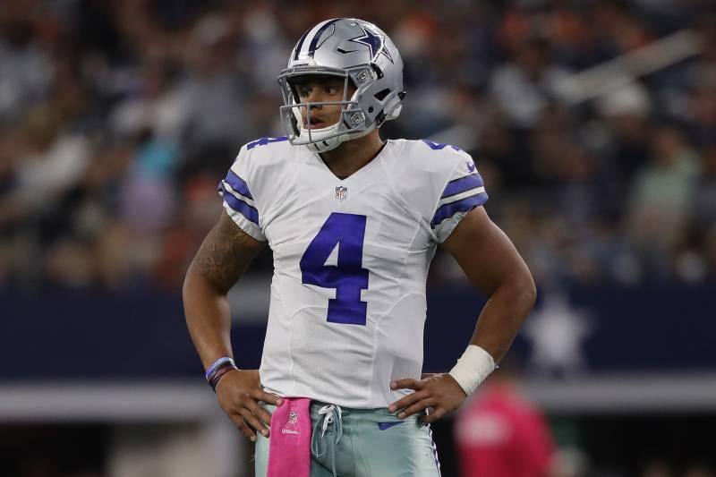 ARLINGTON, TX - OCTOBER 09:  Dak Prescott #4 of the Dallas Cowboys at AT&T Stadium on October 9, 2016 in Arlington, Texas.  (Photo by Ronald Martinez/Getty Images)