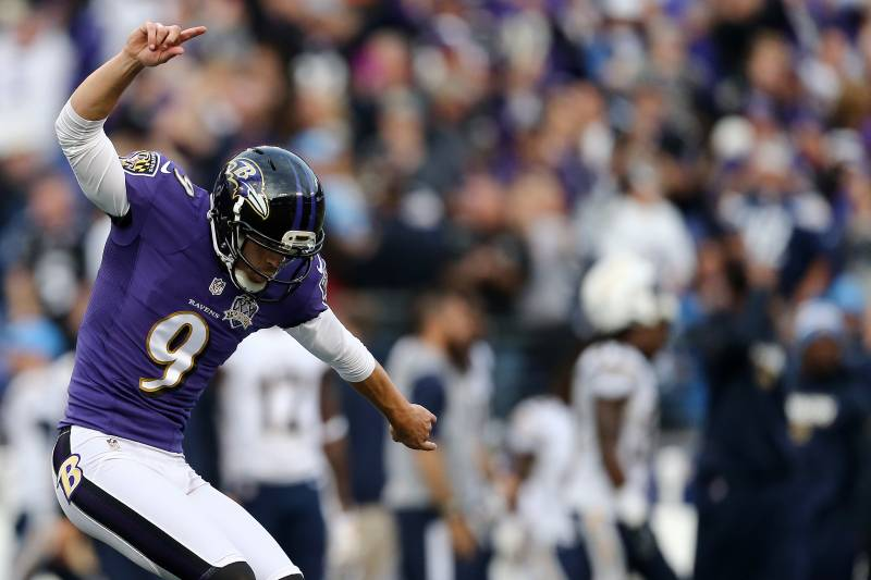 fc7ac8f00 BALTIMORE, MD - NOVEMBER 1: Kicker Justin Tucker #9 of the Baltimore Ravens