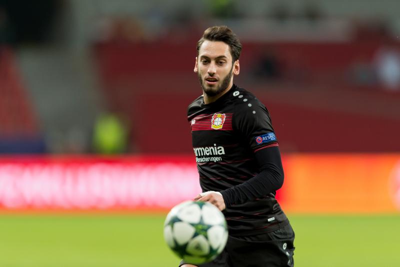 Chelsea Transfer News: Latest Rumours on Hakan Calhanoglu and Franck Kessie