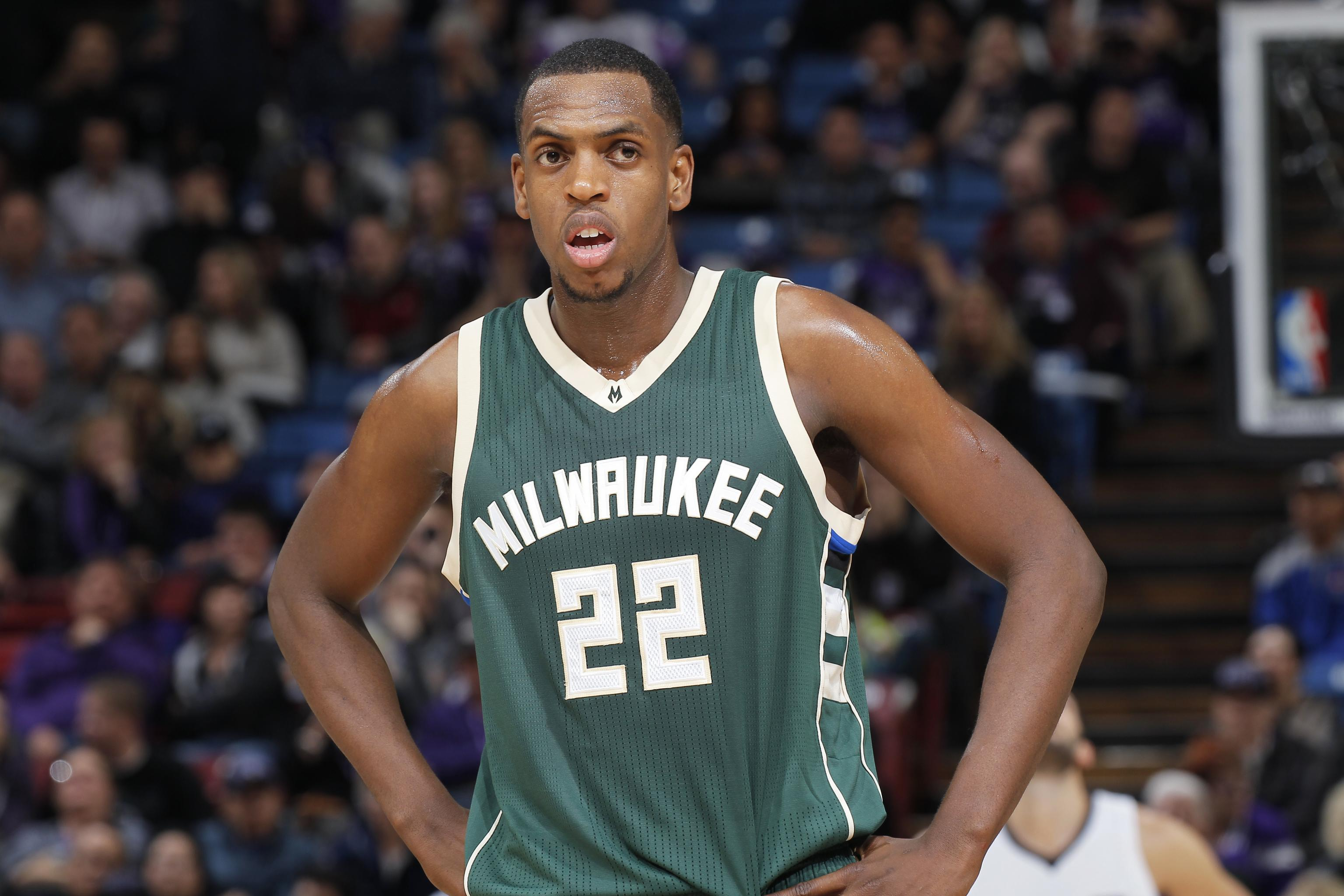 Bucks' Khris Middleton Reportedly out 3 to 4 Weeks Due to Leg ...