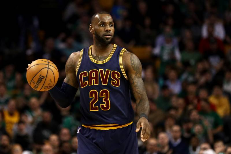 f1c6a4ca181 Friday NBA Roundup  LeBron James Making It Impossible to Ignore MVP ...