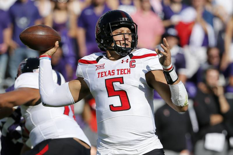 326b09104 Texas Tech quarterback Patrick Mahomes II prepares to throw a pass in the  first half of
