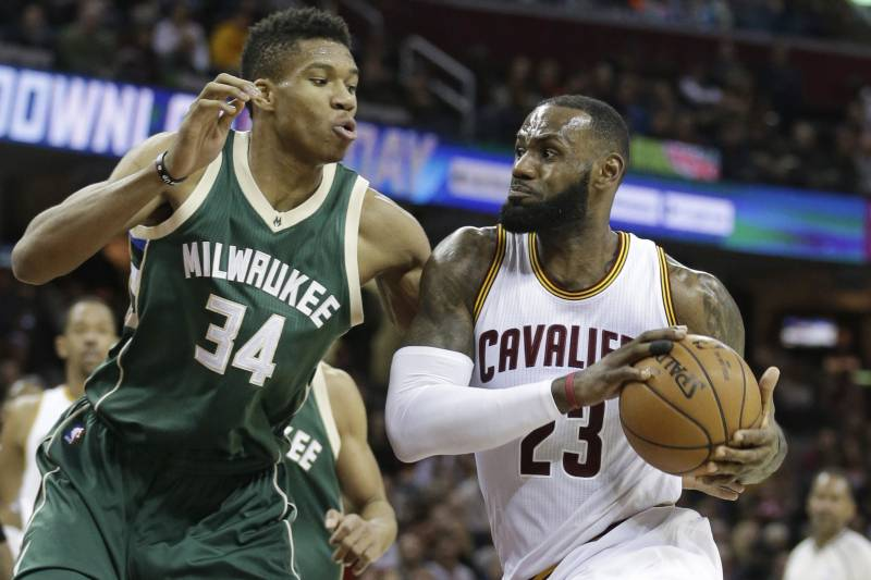 74d9f7acf091 Cleveland Cavaliers  LeBron James (23) drives past Milwaukee Bucks  Giannis  Antetokounmpo (