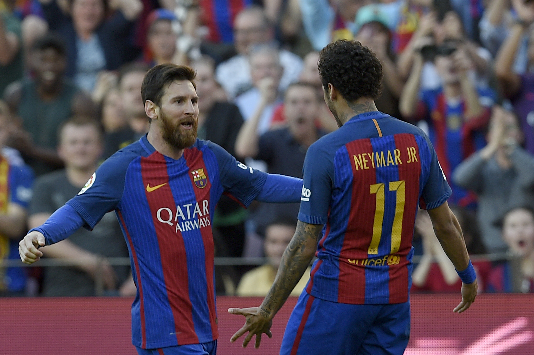 Neymar Suggests Playing Alongside Lionel Messi Will Keep Him at Barcelona |  Bleacher Report | Latest News, Videos and Highlights