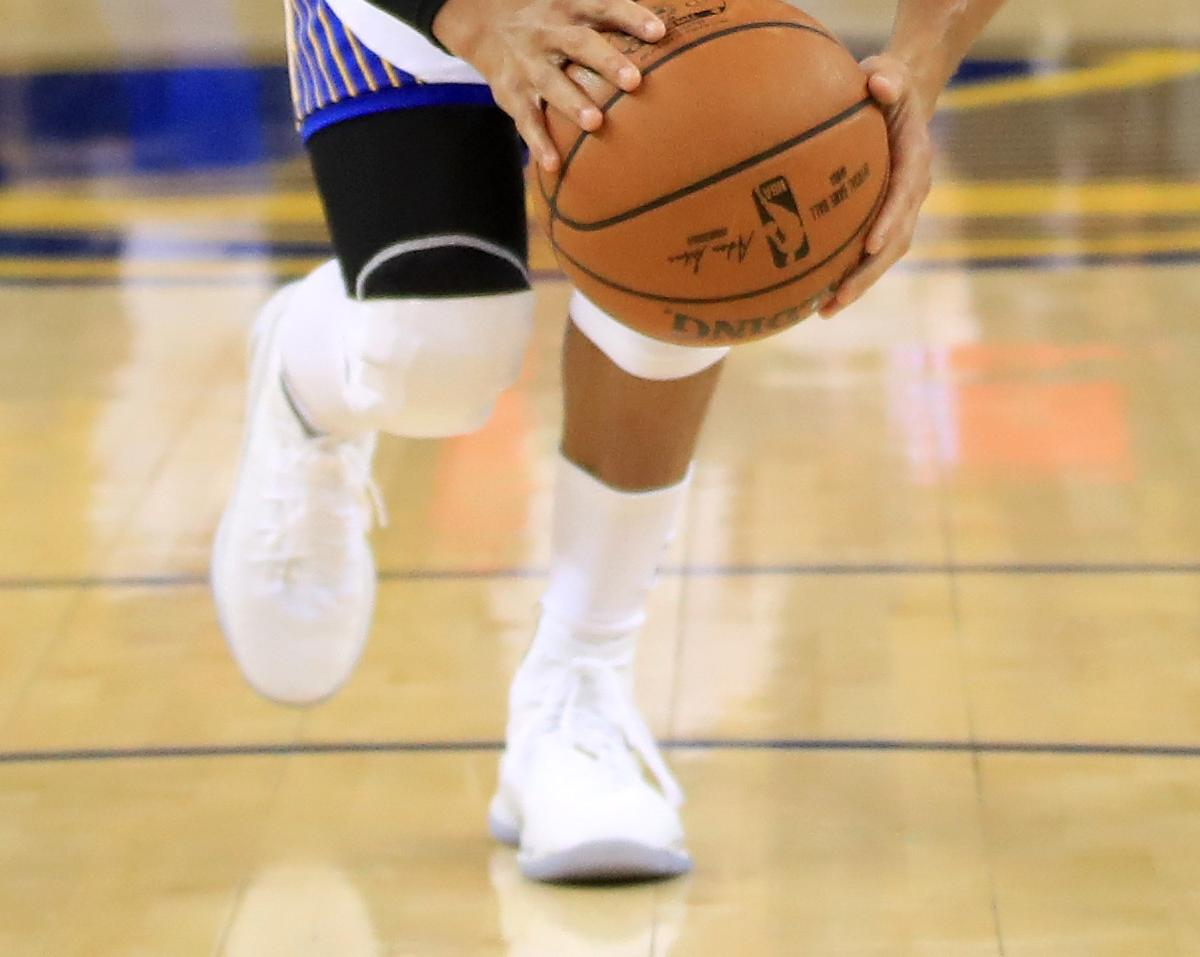 d946b2af7ca Stephen Curry Debuts Under Armour Curry 4s for Game 1 of NBA Finals ...