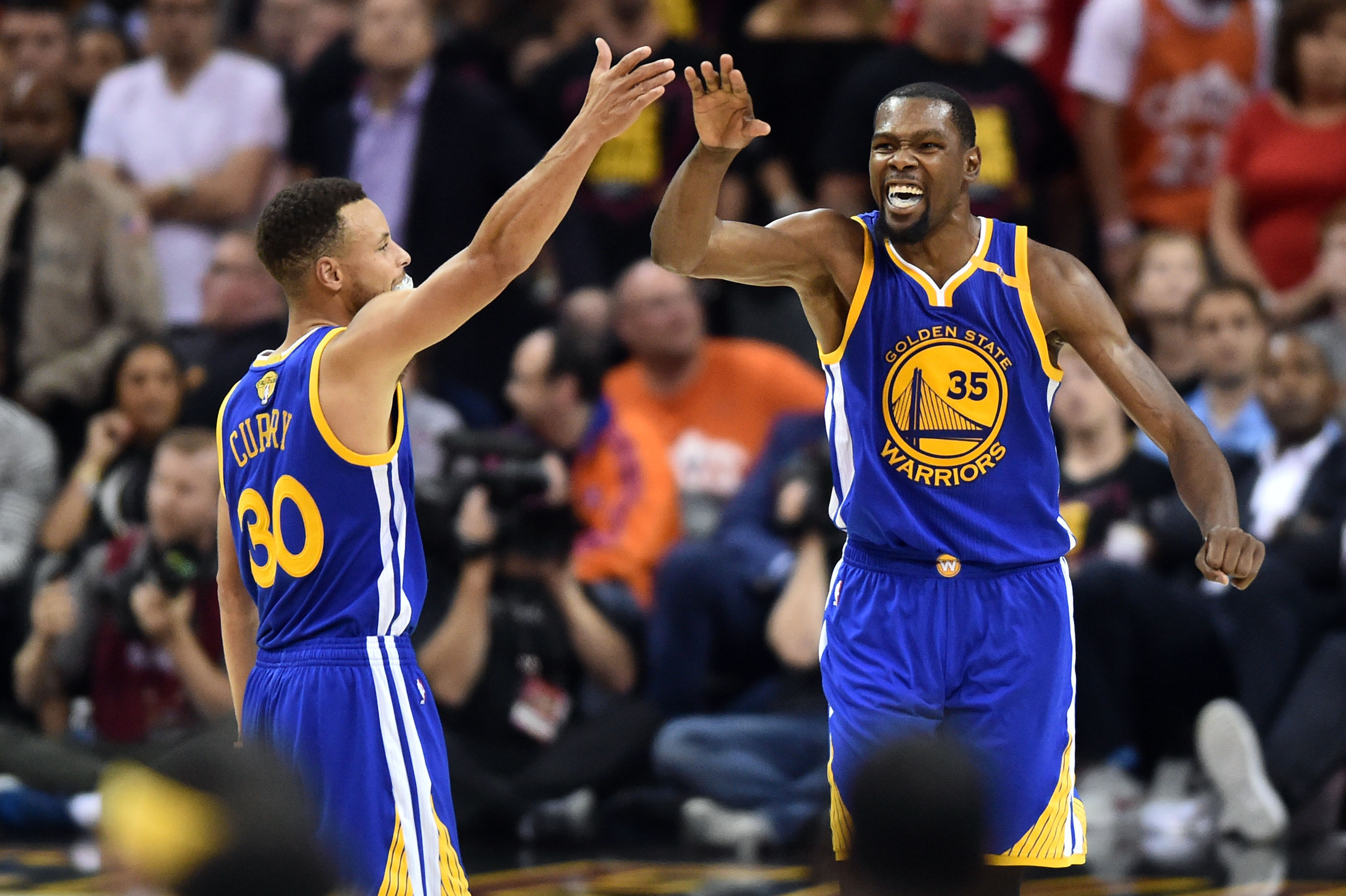 the latest 5fe00 baaae Stephen Curry and Co. Making Big Statement with KD in Ways ...
