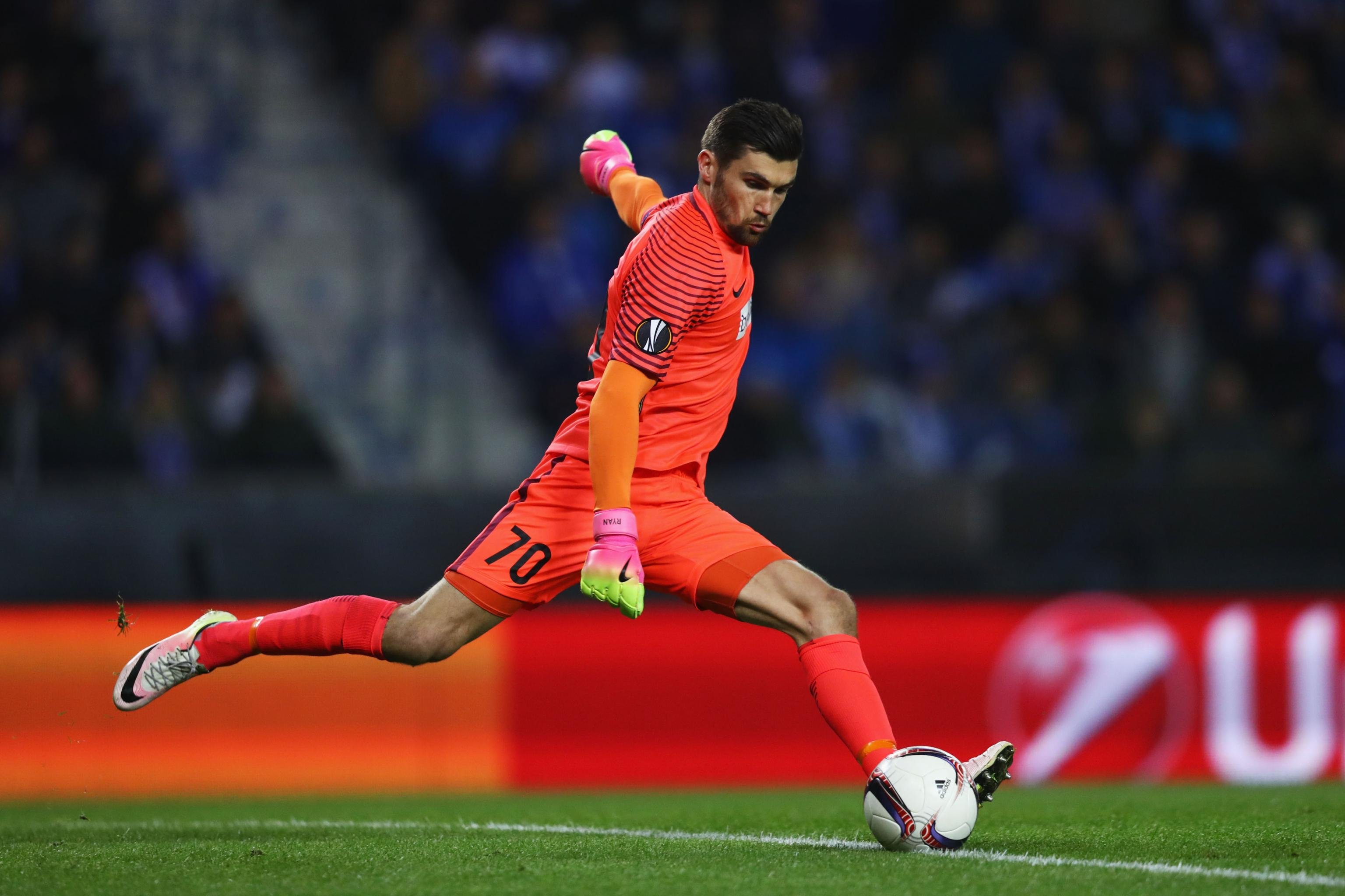 Mathew Ryan, Brighton Agree to Contract After Club-Record Transfer from  Valencia | Bleacher Report | Latest News, Videos and Highlights