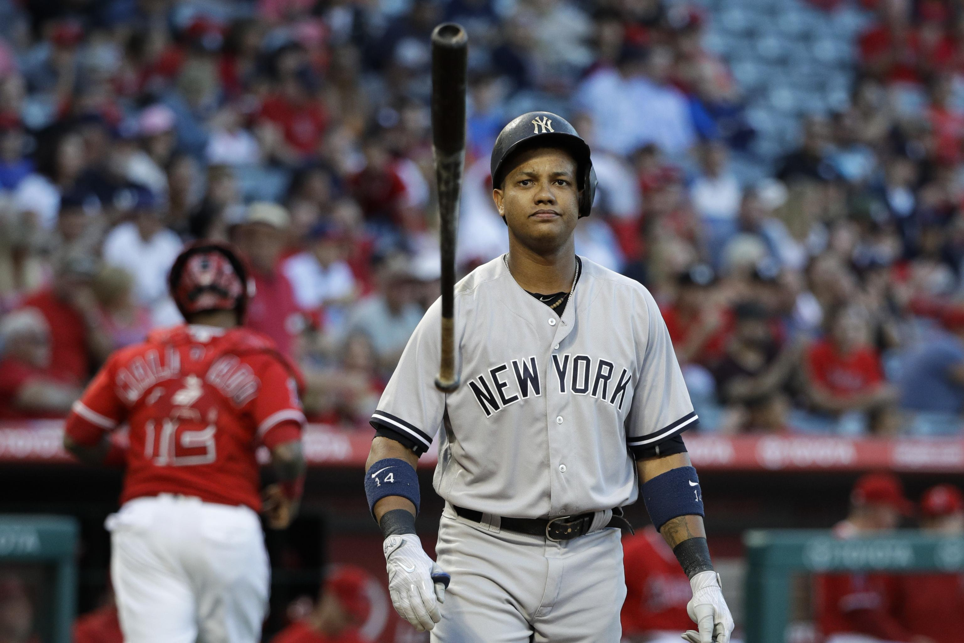 new product f808b f725a Yankees' Starlin Castro to Get MRI on Hamstring Injury ...