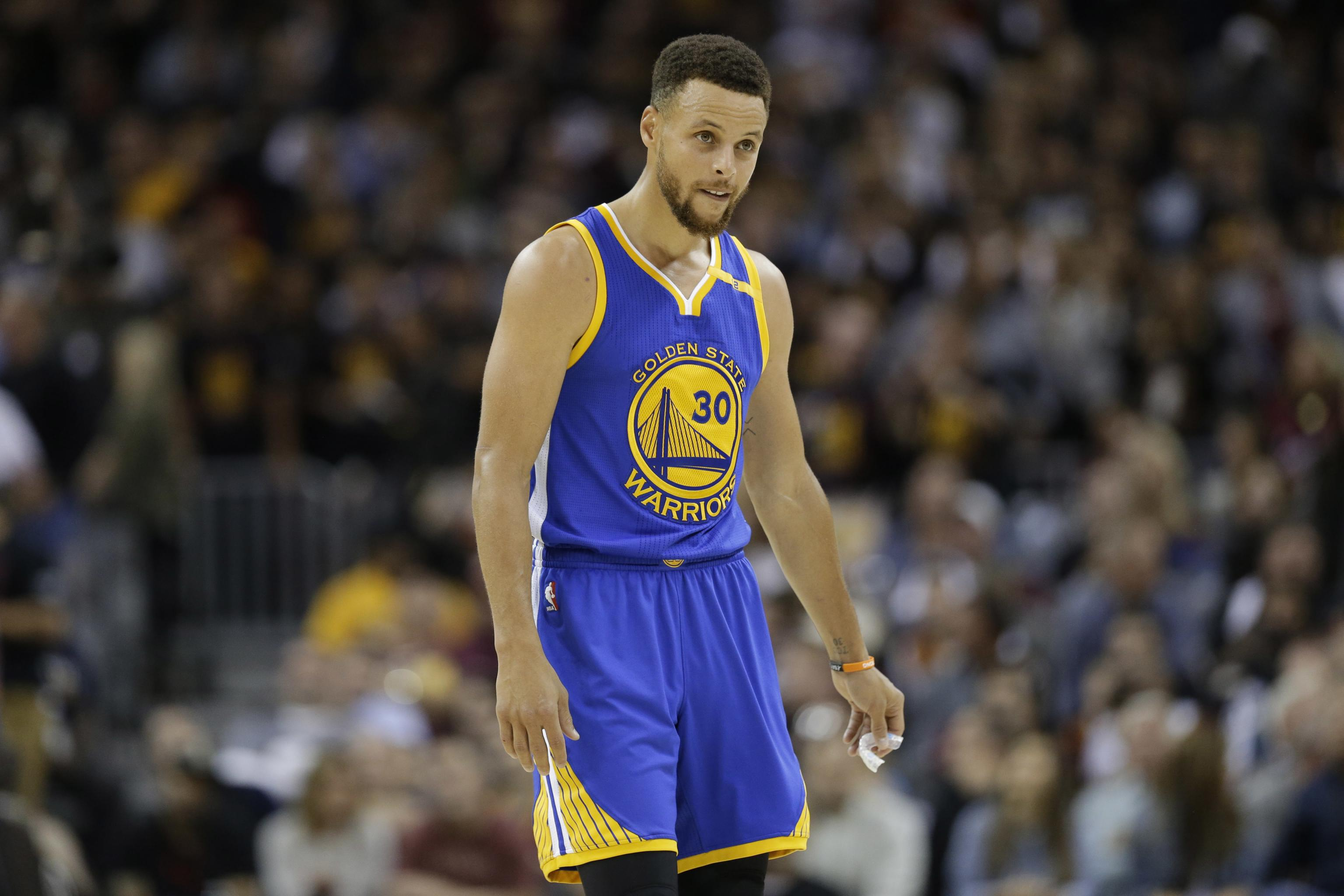 best website 0e611 ffb1c Stephen Curry's Game 3 NBA Finals Jersey Sells for Record ...