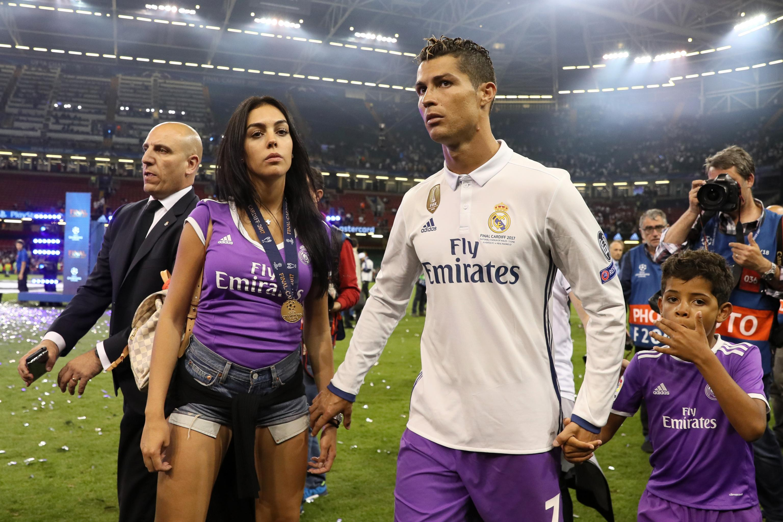 Cristiano Ronaldo Confirms Girlfriend Georgina Rodriguez Is Pregnant Bleacher Report Latest News Videos And Highlights