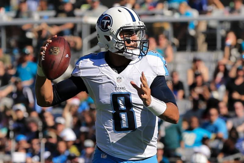 5af22412 Marcus Mariota vs. Jameis Winston: Which QB Has the Stuff to Join ...