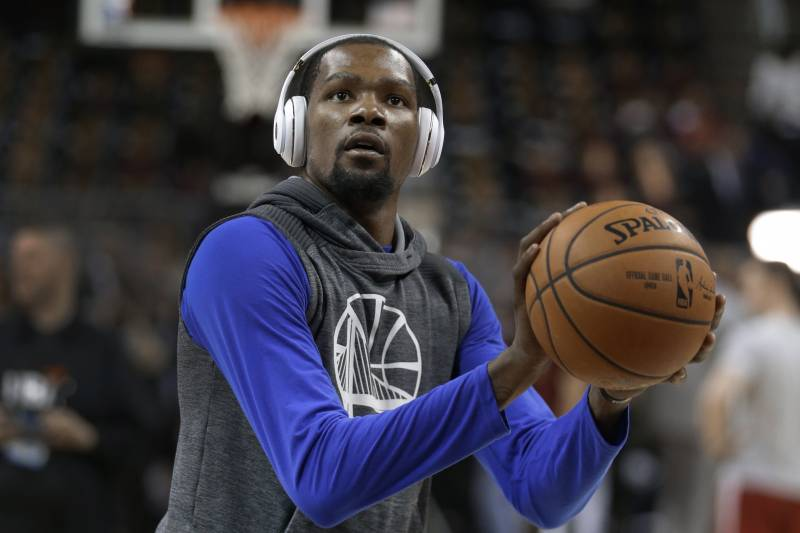 7ff5cf95394 Golden State Warriors forward Kevin Durant warms up before Game 4 of the  basketball team s NBA