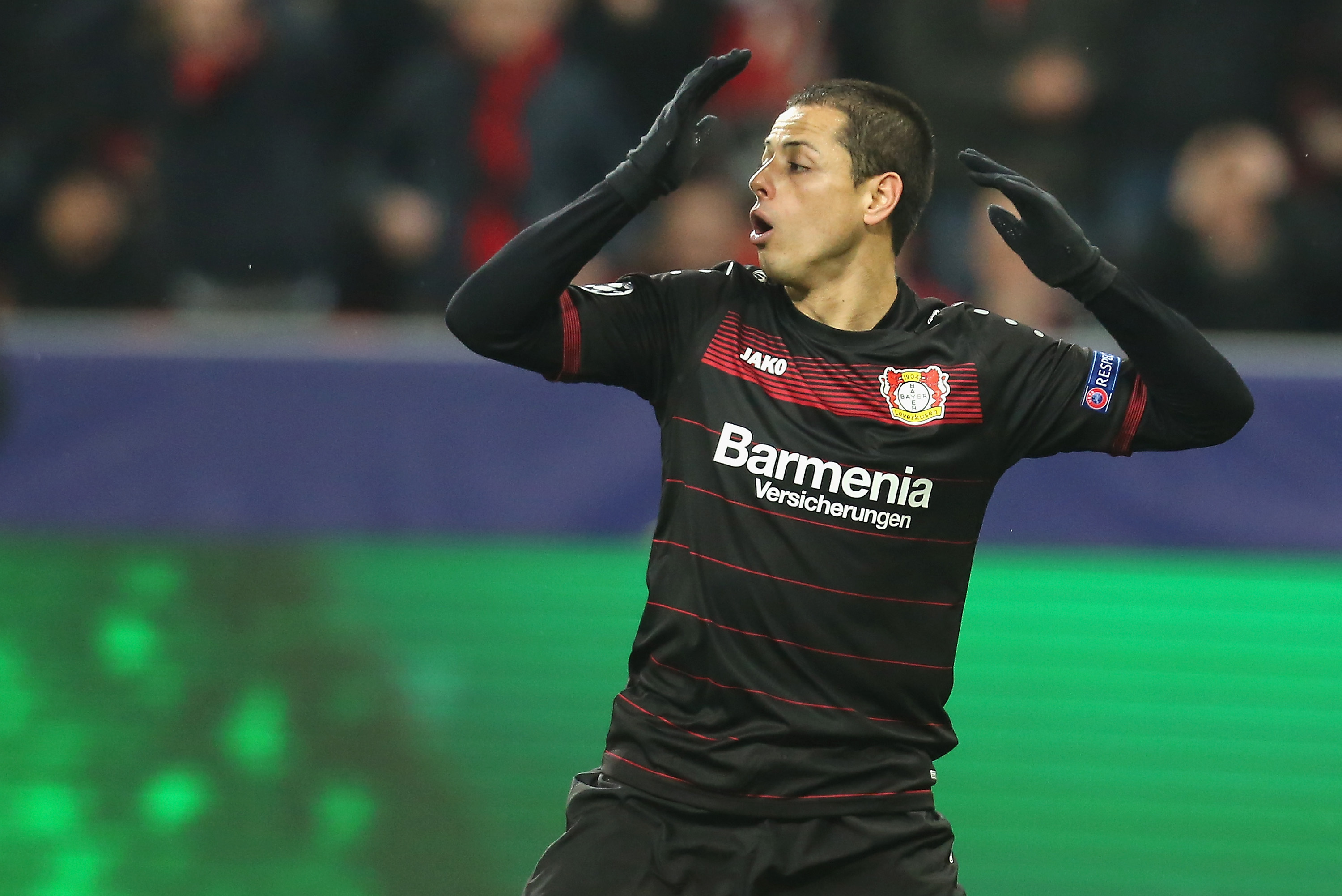 premium selection e2f52 6b069 Javier 'Chicharito' Hernandez Officially Completes West Ham ...
