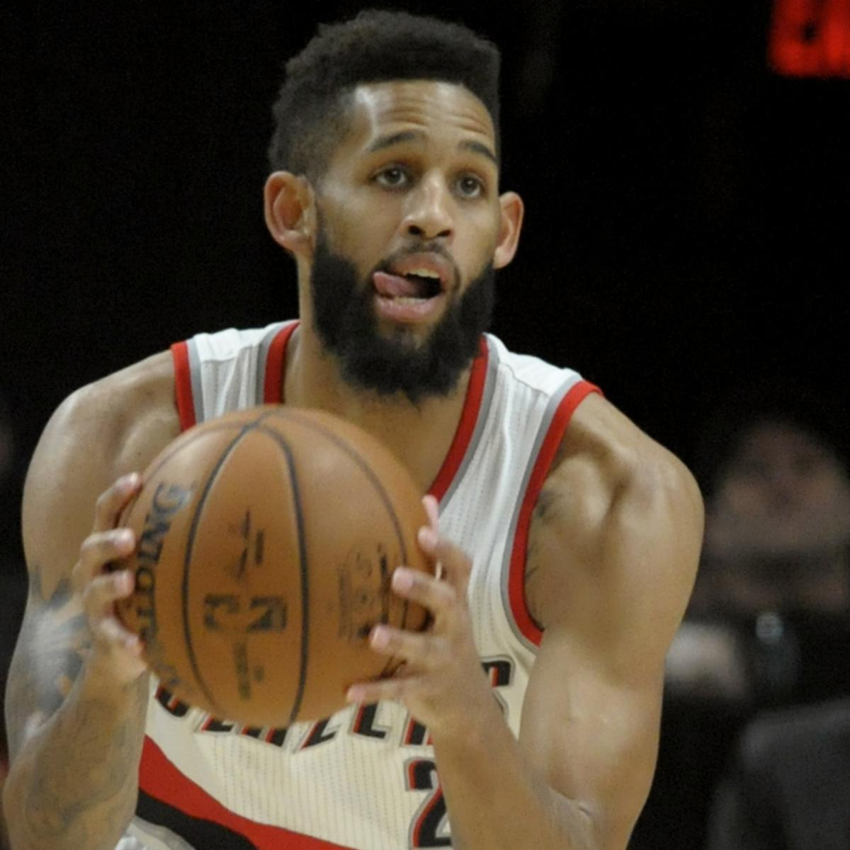 Trail Blazers Trade Allen Crabbe To Nets For Andrew