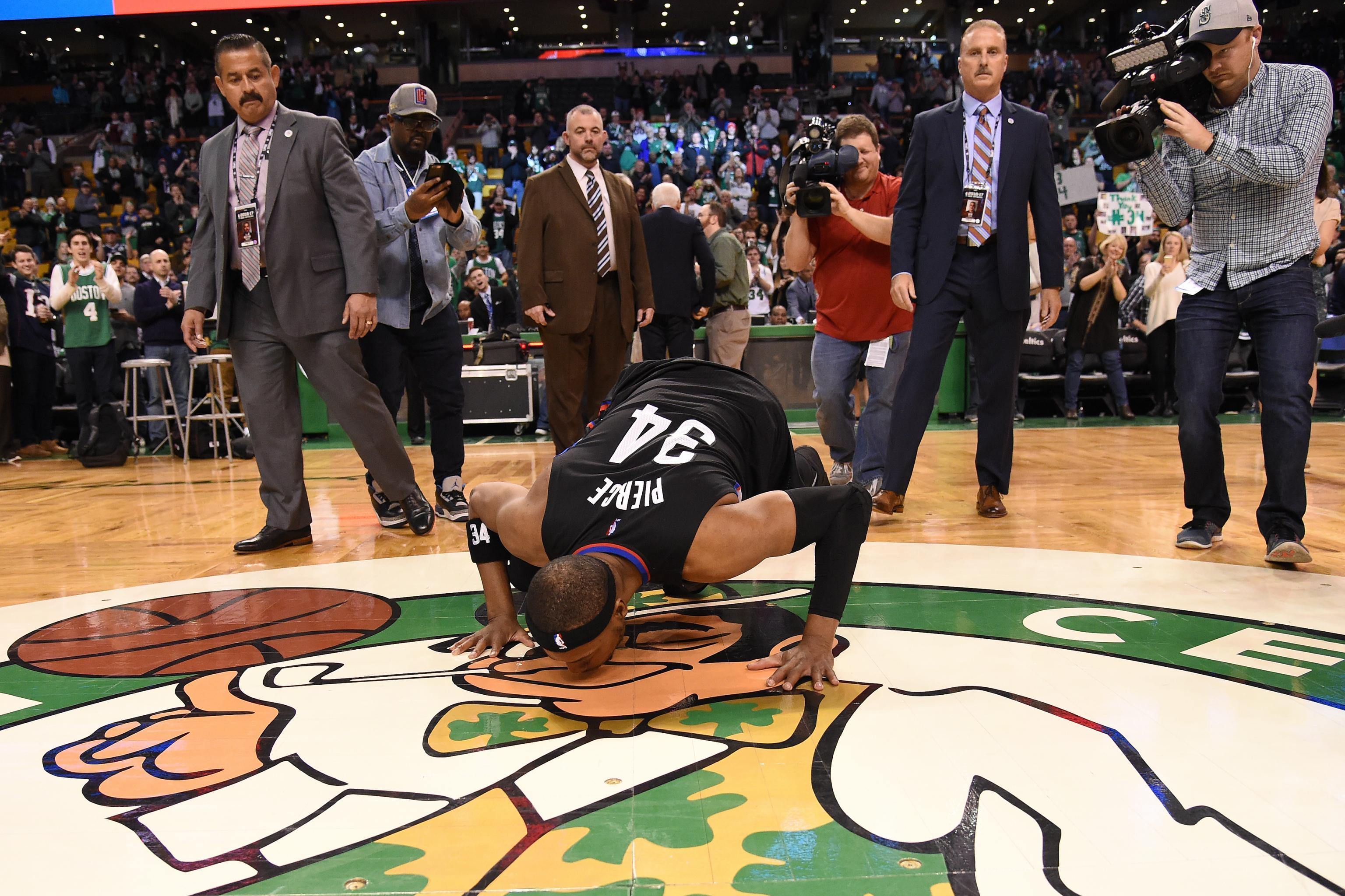 Bosh如夢初醒!Pierce攤牌:我不想跟Kobe、石佛、狼王競爭名人堂,所以才多打一年