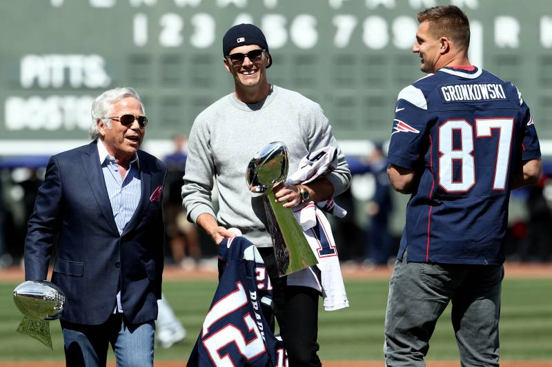 sports shoes cbf11 c5404 Patriots Give Opener Tickets to Fan Who Helped Find Tom ...