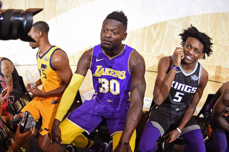 537c5b7a74d Julius Randle Holds Keys to Lakers Present, but Is He Part of L.A.'s Future?