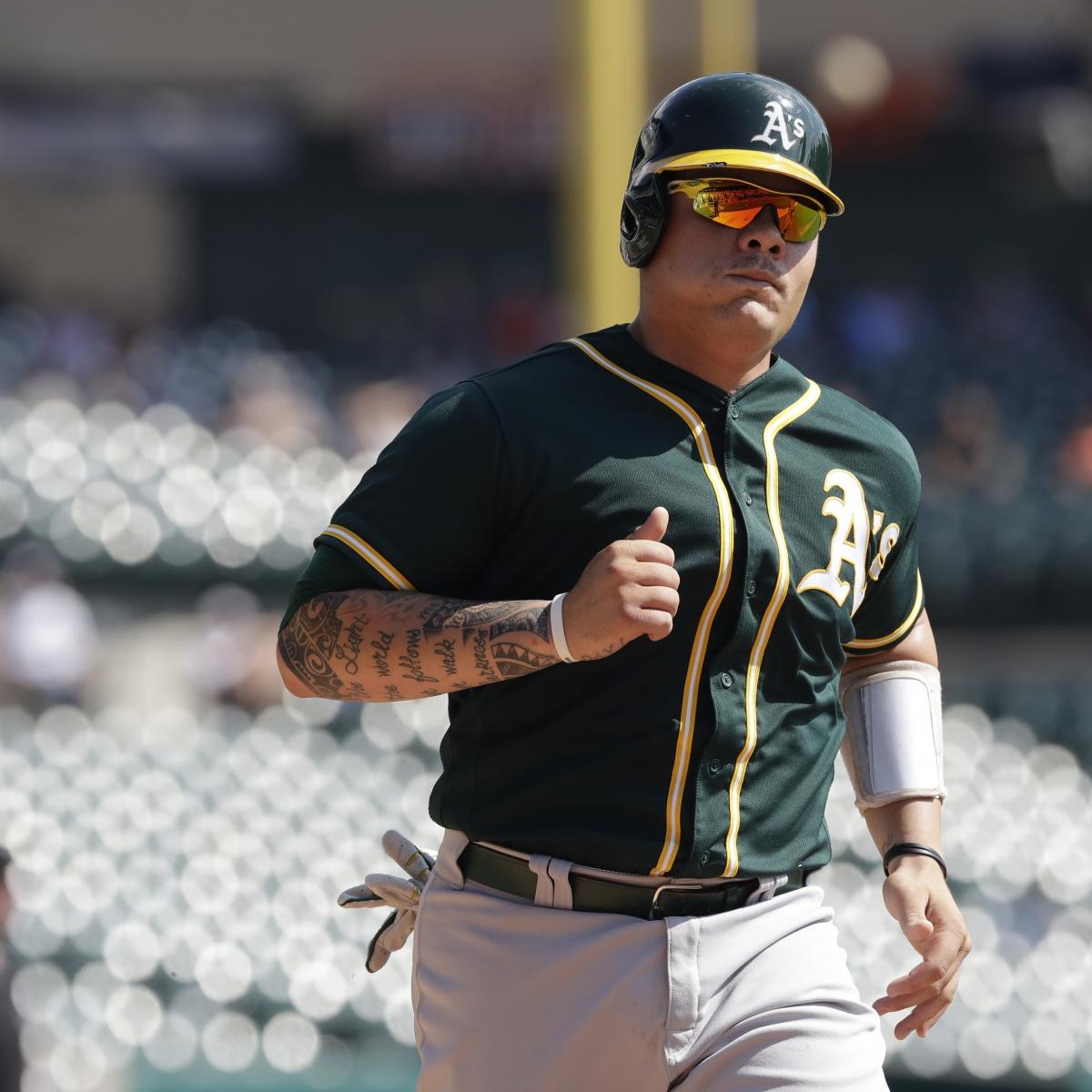 Athletics Catcher Bruce Maxwell Becomes 1st MLB Player to Kneel for Anthem