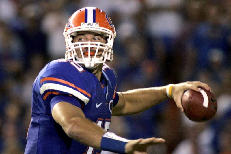 promo code 7f8e1 da76f Tim Tebow to Be Inducted into Florida Sports Hall of Fame ...