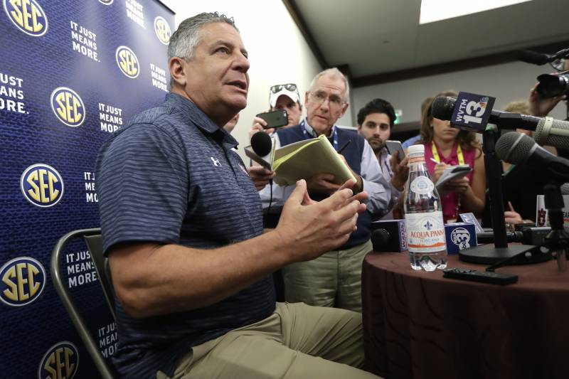 Report Bruce Pearl May Be Fired If He Won T Cooperate With