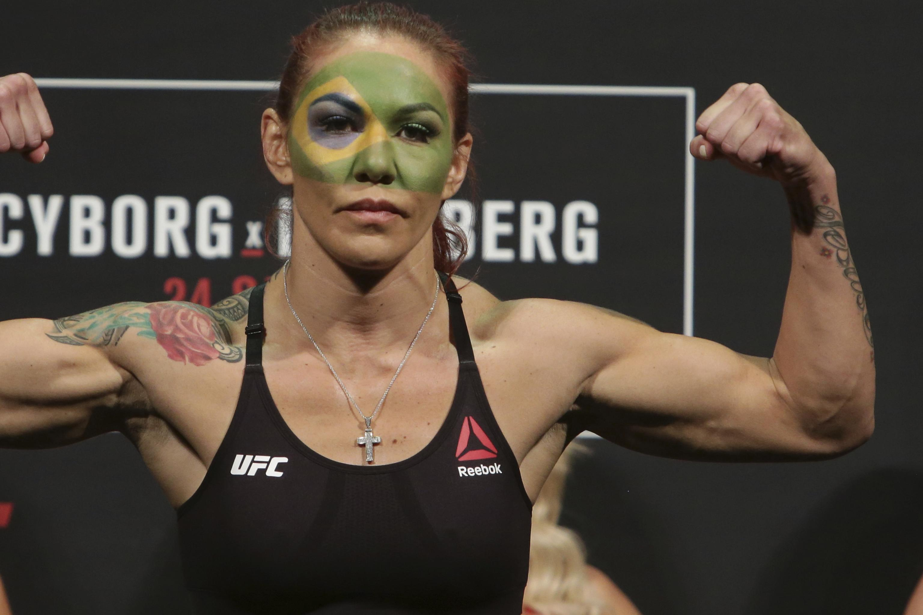 Cris Cyborg Vs Holly Holm The Best Fight In Women S Mma History Bleacher Report Latest News Videos And Highlights