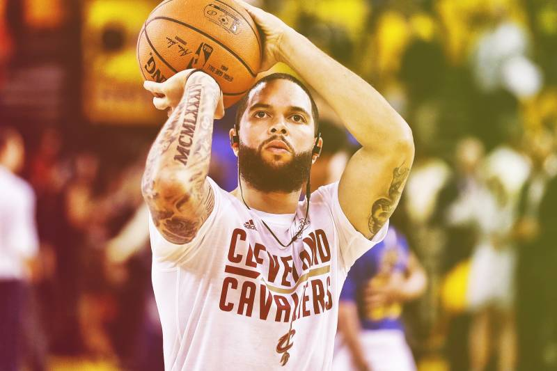 more photos 70b49 87d23 Deron Williams Is Not in the NBA, and He Doesn't Seem to ...