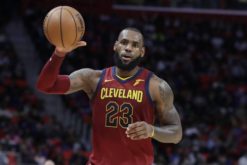 a540d6f36424 Cleveland Cavaliers forward LeBron James takes an inbound pass during the  second half of an NBA