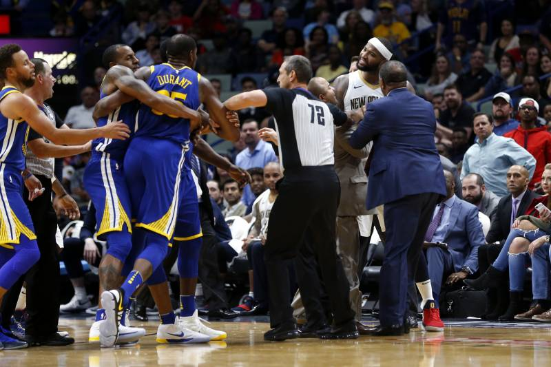 3c2690ef60ee Golden State Warriors forward Kevin Durant and New Orleans Pelicans center DeMarcus  Cousins (0)