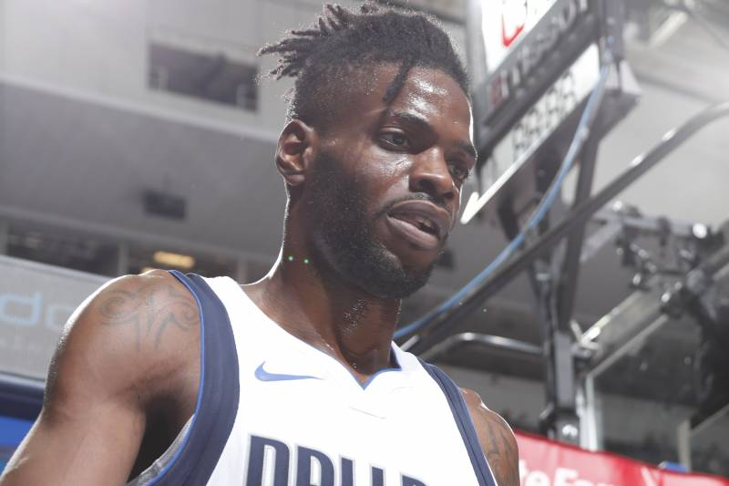 bf12d863853 DALLAS, TX - OCTOBER 20: Nerlens Noel #3 of the Dallas Mavericks looks