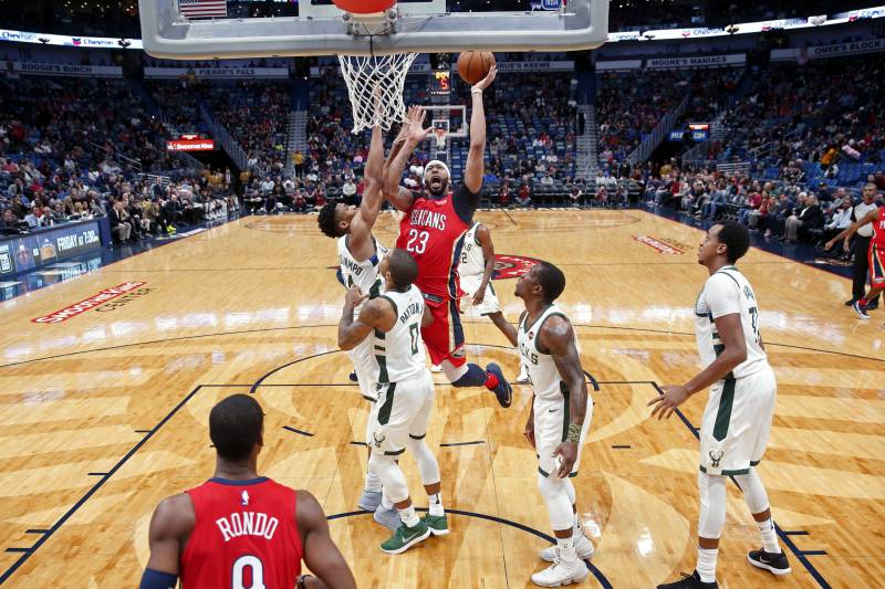 Anthony Davis Pelicans Defeat Bucks Giannis Antetokounmpo