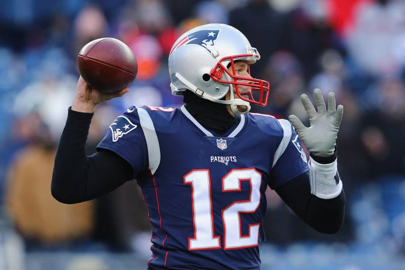 FOXBORO, MA - DECEMBER 31: Tom Brady #12 of the New England Patriots looks to pass during the second half against the New York Jets at Gillette Stadium on December 31, 2017 in Foxboro, Massachusetts. (Photo by Maddie Meyer/Getty Images)