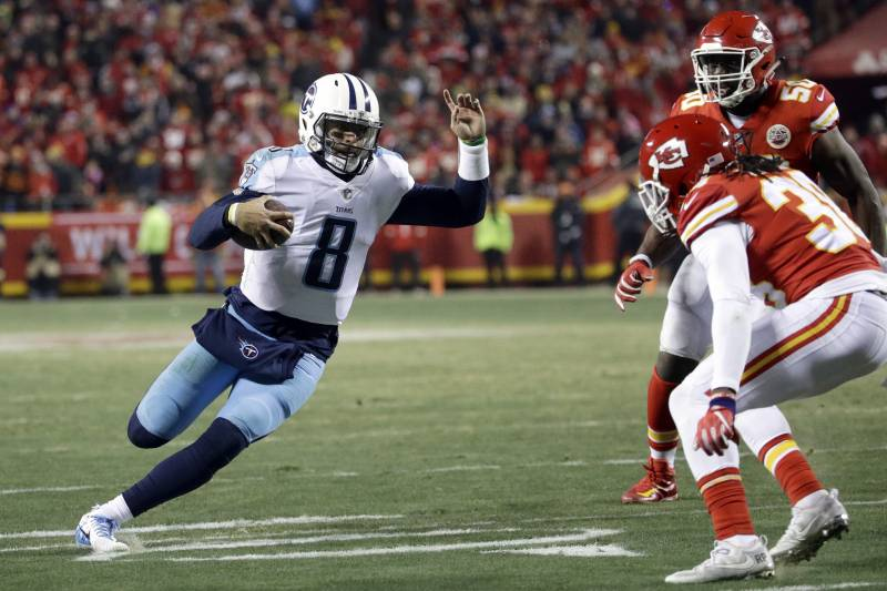 a4ccbf68 Titans Hold Off Chiefs for Comeback Win Behind Derrick Henry's 156 ...