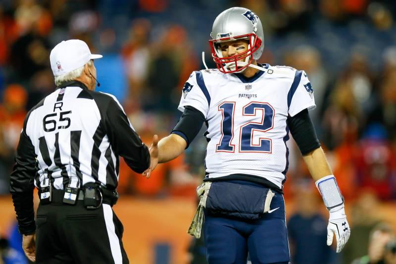 cb9422e4 DENVER, CO - NOVEMBER 12: Quarterback Tom Brady #12 of the New England