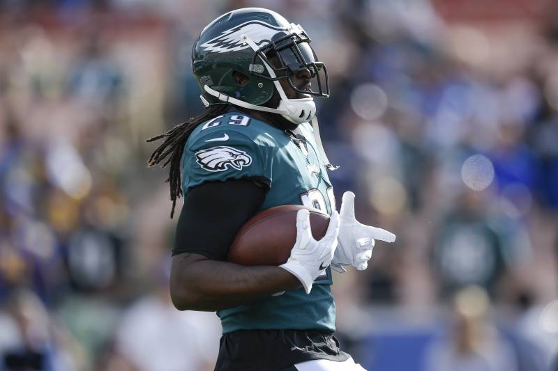 save off ac557 6a768 LeGarrette Blount in 'Enemy Mode' with Former Patriots ...