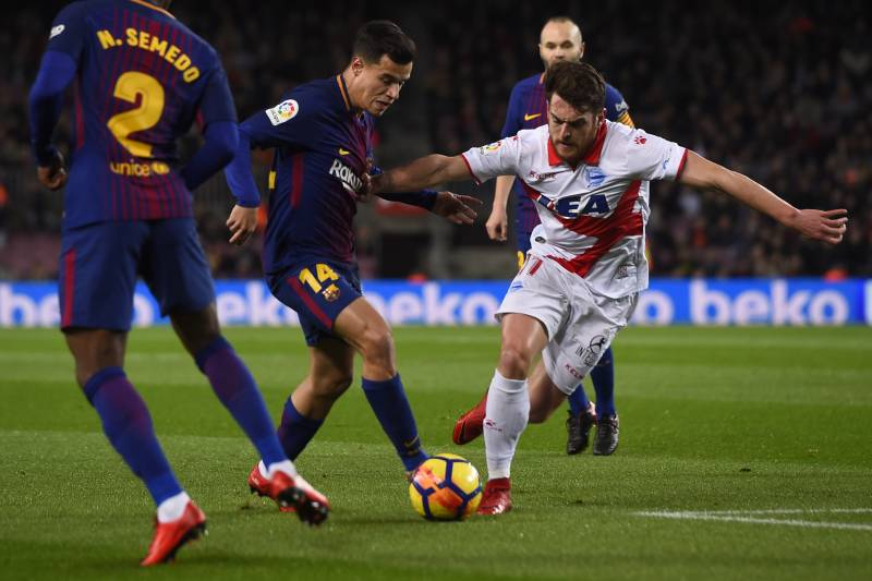 Image result for coutinho and messi alaves