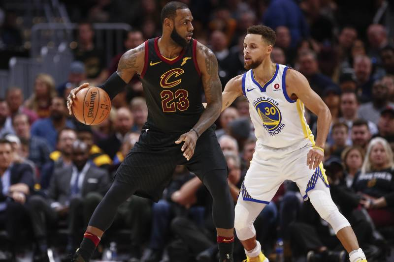 huge discount 1703c e497b LeBron James Rumors: Warriors Could Meet with SF If They ...