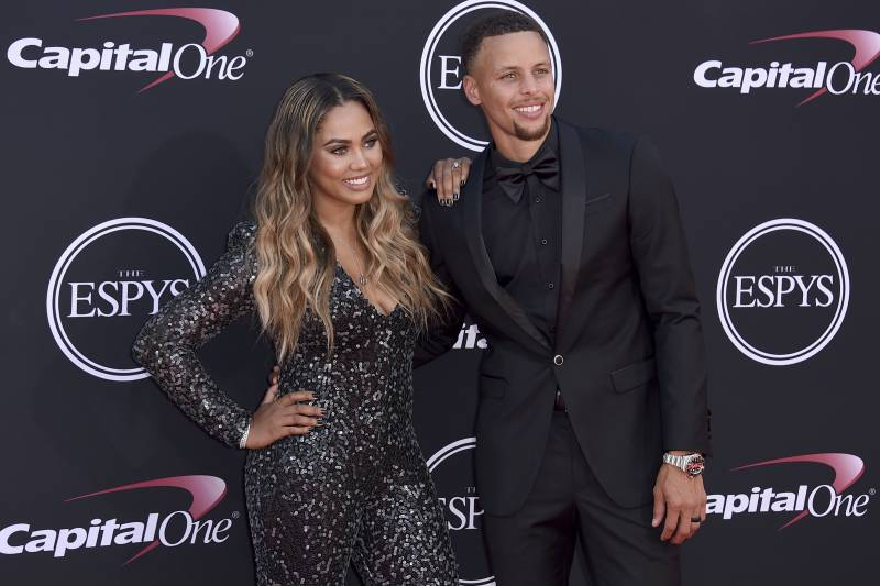 0c9863f261bb Stephen Curry s Wife Ayesha Announces She Is Pregnant with 3rd Child ...