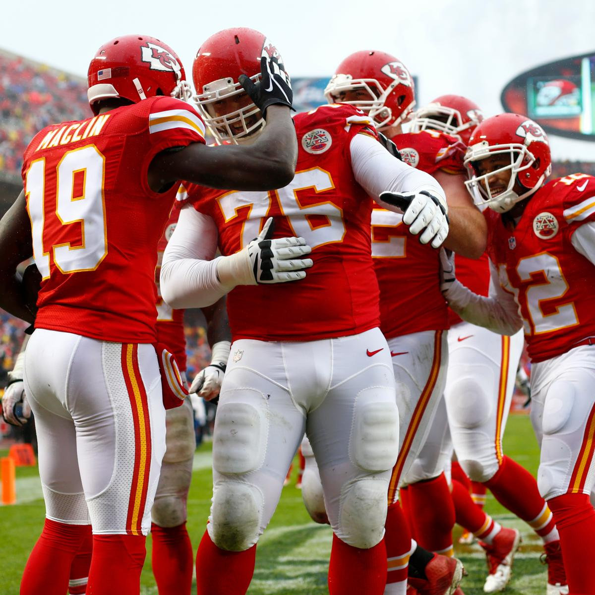 Chiefs  Laurent Duvernay-Tardif Wants  M.D.  on Jersey After Medical School   cb60fa47e