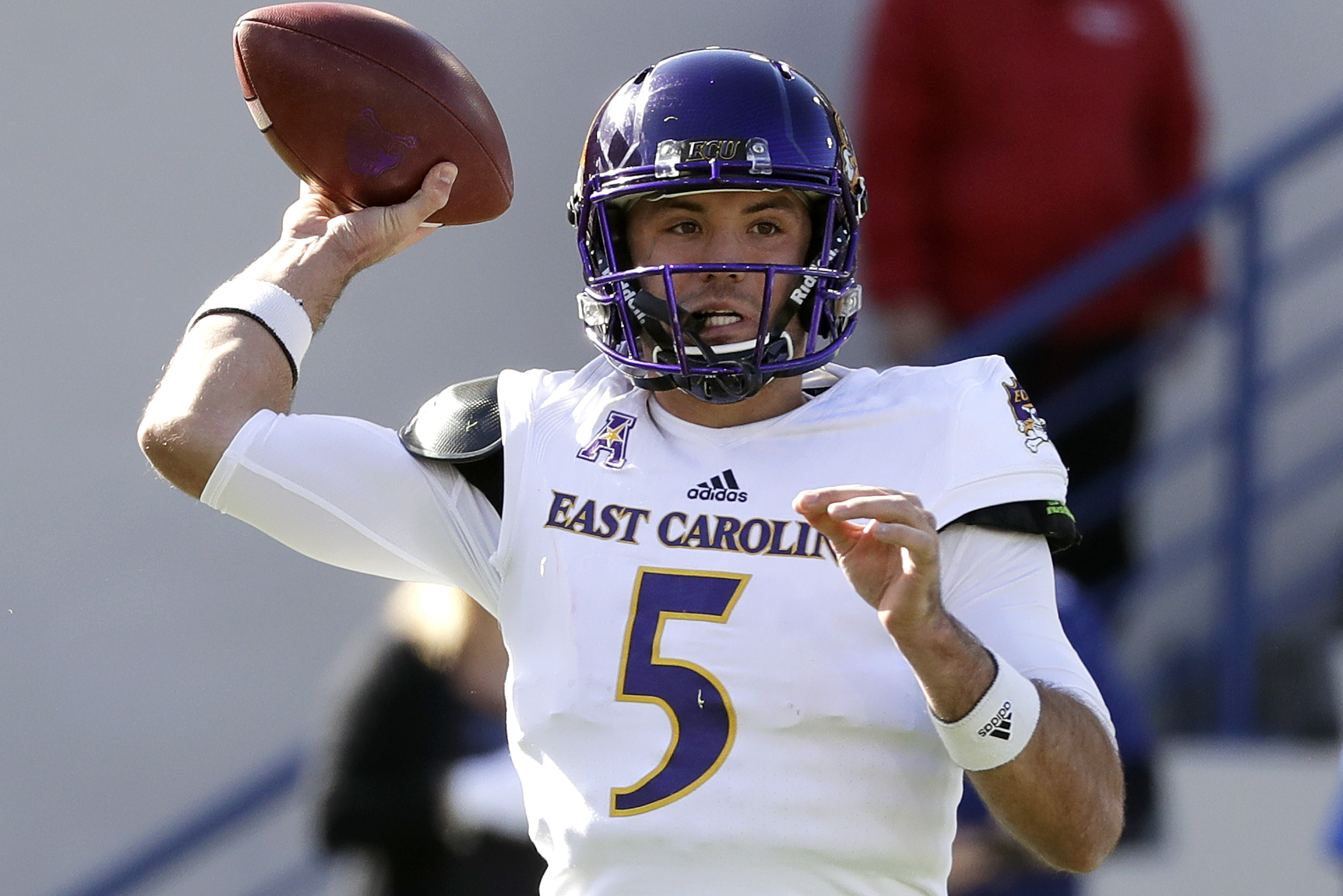 hot sale online 7e2e5 2e220 ECU Graduate Transfer QB Gardner Minshew Reportedly Commits ...